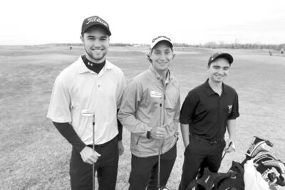 BORIS MINKEVICH / WINNIPEG FREE PRESSU of M Bisons golfers Bryce Barr (from left), Bobby Wiebe and Scott Mazur are busily preparing for the Canadian University/College Championships in Ste-Sophie, Que., later this month.