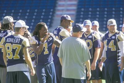 Ruth Bonneville / Winnipeg Free PressThe Winnipeg Blue Bombers share some chuckles after a walk-through at Investors Group Field Saturday afternoon.