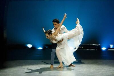 Contestants Makenzie Dustman and Paul Karmiryan perform a routine to choreographed by Lindsay Nelko.
