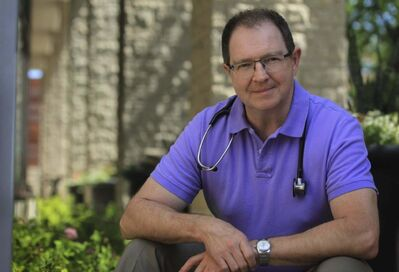 CancerCare Manitoba oncologist Dr. Paul Daeninck sits on the medical advisory board for Shoppers Drug Mart's medical cannabis portal, which opens to Manitobans on Tuesday. (Supplied)</p>