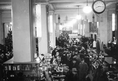 The Bay�s main floor is elbow to elbow with Christmas shoppers in this 1940s photo.