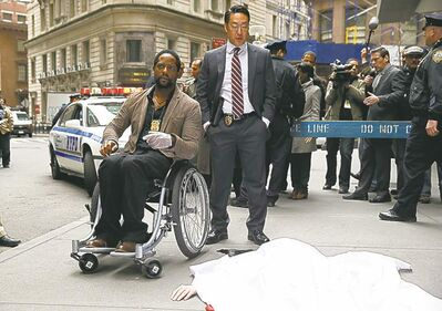 Blair Underwood as Robert Ironside, Kenneth Choi as Ed.