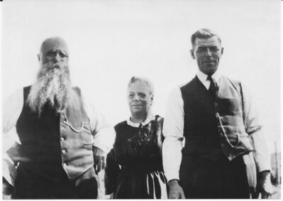 Elie, Elmire and August Dufresne, pictured here in a 1910 photograph.
