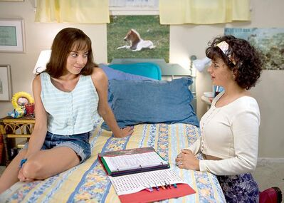 Aubrey Plaza (as Brandy) and Alia Shawkat (as Fiona) star in The To Do List.