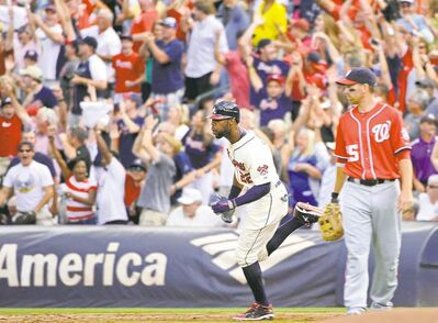 Atlanta's Jason Heyward rounds first base after belting his 27th homer, a sixth-inning two-run shot, on Saturday.