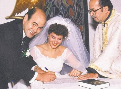 Vardalos and Gomez were married in 1993 in Winnipeg.