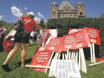 Ontario teachers are fighting to protect collective bargaining rights as unions in Canada come under fire.   THE CANADIAN PRESS/Michelle Siu