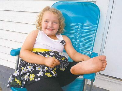 "This undated image released by TLC shows Alana Thompson from the reality series ""Here Comes Honey Boo Boo."" The program follows a child beauty pageant participant and her family. (AP Photo/TLC)"