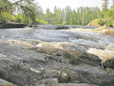 Bartley Kives / Winnipeg Free PressThe Manigotagan River, which begins in Nopiming Provincial Park, is one of six paddling routes being considered for entry quotas.