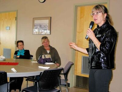 Alzheimer Society of Manitoba client support manager Maria Mathews provided tips on keeping your brain healthy at a seniors lunch in Headingley on Nov. 19.