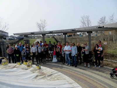 Area residents turned out en masse May 17 for the Bridgwater Forest spring cleanup.