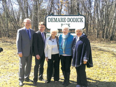 From left to right: Premier Greg Selinger, Coun. Brian Mayes, former Riel MLA Doreen Dodick, former city councillor Doreen Demare and Riel MLA Christine Melnick.