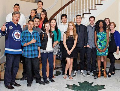 Canada's Ambassador to the United States, Gary Doer, his wife Ginny Devine (far right) and youth leaders from the WASAC.