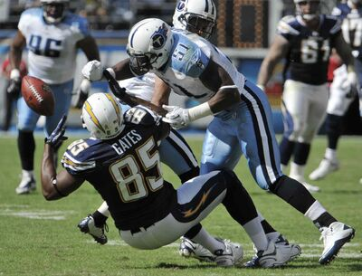 Former NFL linebacker Gerald McRath recorded 10 tackles during this Oct. 31, 2010 game against the San Diego Chargers. He is at the Winnipeg Blue Bombers mini-camp in Florida this weekend looking for a chance to play in the CFL.