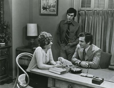 UNIVERSITY OF MANITOBA ARCHIVES, TRIBUNE COLLECTION</p><p>Rhodes, seated, with actors Sue Helen Petrie and brother Tim Henry in the 1970 drama Famous Jury Trials.</p>