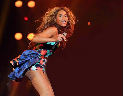 "Beyoncé performs the song ""Grown Woman"" on her ""Mrs. Carter Show World Tour 2013."""