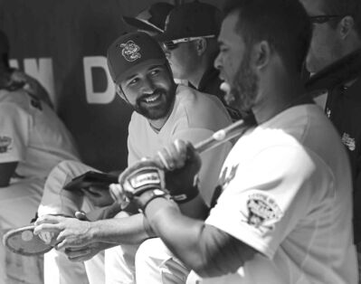 Wayne Glowacki / Winnipeg Free Press Goldeyes pitcher Nick Hernandez (centre) twirled a complete-game shutout Wednesday and the Fish left Sioux City on a winning note.