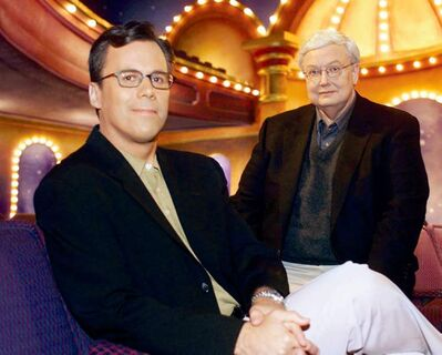 Roeper, left, with Ebert on the set of Ebert & Roeper at the Movies in 2000.