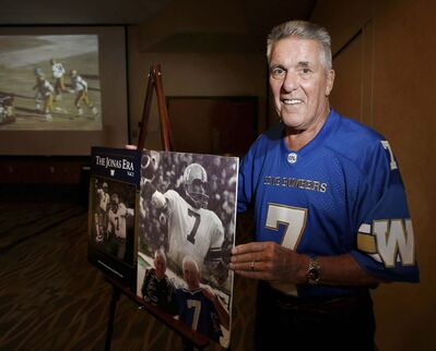 WAYNE GLOWACKI / WINNIPEG FREE PRESS</p><p>Former Winnipeg Blue Bombers QB Don Jonas is in Winnipeg as his new book <em>The Jonas Era</em> hits book stores.</p>