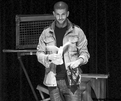 Magician Darcy Oake