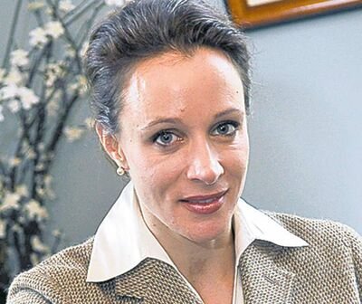 This combo made from file photos shows Gen. David Petraeus' biographer and paramour Paula Broadwell, left, and Florida socialite Jill Kelley. Broadwell and Kelley, the two women at the center of David Petraeus' downfall as CIA director, visited the White House separately on various occasions in what appear to be unrelated calls that did not result in meetings with President Barack Obama. (AP Photos/Charlotte Observer, T. Ortega Gaines/AP, Chris O'Meara)