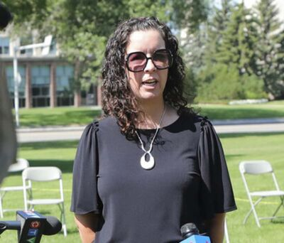 """RUTH BONNEVILLE / WINNIPEG FREE PRESS FILES</p><p>Rhonda Hinther: """"As parents, we're really concerned about safety in schools.""""</p>"""