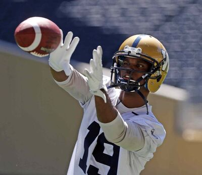 Aaron Kelly looked good at Tuesday's Bomber practice, but had to leave Wednesday's with a swollen knee.