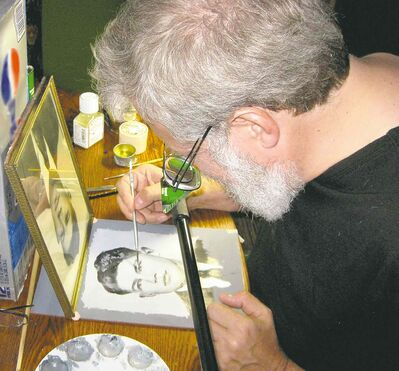 Tim Jenison makes a painting of a photograph using his invention, the comparator mirror, in the documentary Tim's Vermeer.