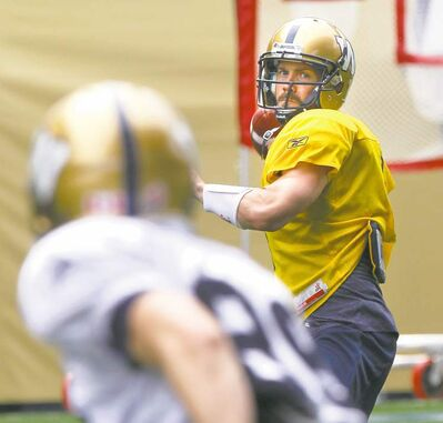 Winnipeg Blue Bombers quarterback Buck Pierce isn't into slide shows -- he has to get down and dirty in games.