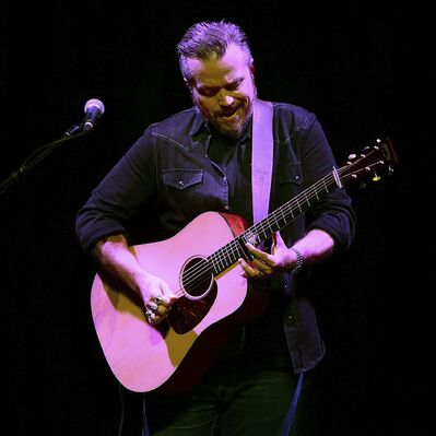 Isbell played a wide-ranging hour and 45-minute set. (Phil Hossack / Winnipeg Free Press)</p>