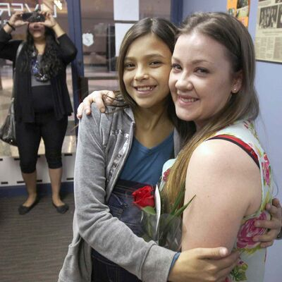 Samantha Lussier (right) meets Allexis Siebrecht, who needs a liver transplant.