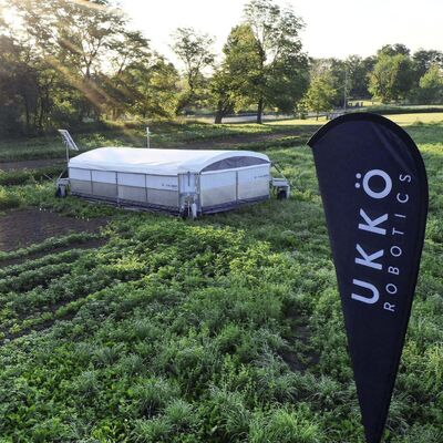 Ukko Robotics' Rova Barn is solar-powered, and is designed to make the production of pasture-raised chicken much less labour-intensive on top of valuable environmental benefits. (Supplied)