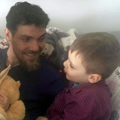 Conor Sykes and his six-year-old son, Liam. (Facebook)</p>