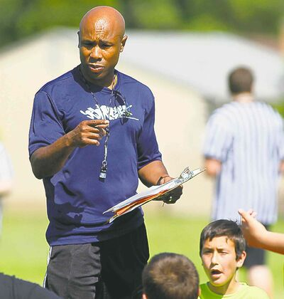 John Woods / Winnipeg Free Press archive Former Bomber Dave Donaldson continues to give back to football  -- by officiating and coaching.