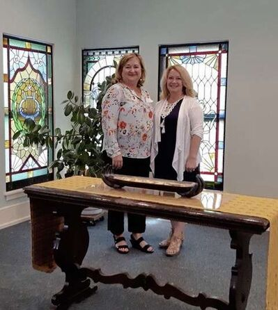 Liz Redston (left) and Kay Gardiner, are organizers of Dialogue on Death Week at the First Unitarian Universalist Church of Winnipeg, to be held in the last week of October.