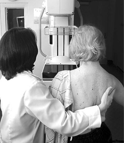 THE ASSOCIATED PRESS ARCHIVESMammography can�t detect early  malignancy, only lumps in the breast.