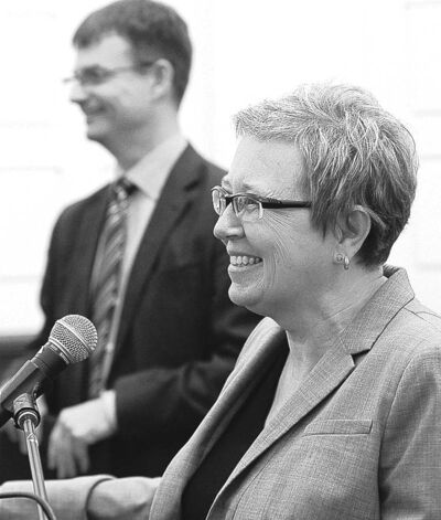KEN GIGLIOTTI  / WINNIPEG FREE PRESSProf. Catherine Taylor and Paul Olson announce the Every Teacher Project Thursday.
