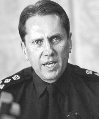 KEN  GIGLIOTTI / WINNIPEG FREE PRESS  Former police chief Jack Ewatski answered inly to the city�s chief administrative officer.