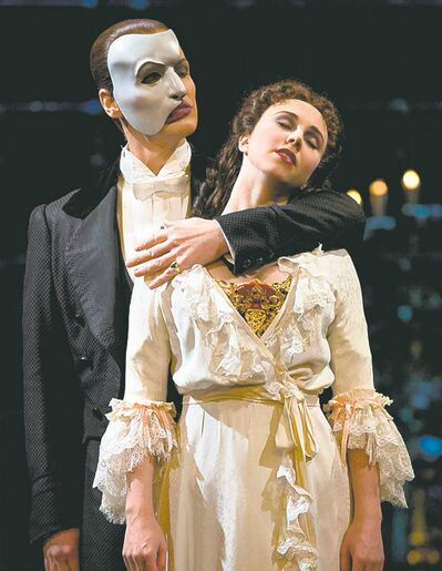 Hugh Panaro as The Phantom with Samantha Hill as Christine Daaé.