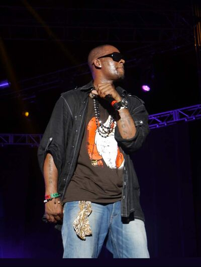 American R&B star R. Kelly headlined Saturday's International Night.