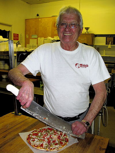 After 46 years, Charlie Clements, owner of Tubby's Pizza, has sliced his last pizza at the landmark Crescentwood location.
