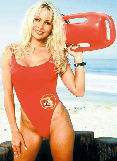 EDMONTON  NOV 18/96-- Pamela ANDERSON Lee, IN SWIMSUIT star of Baywatch.  Can be used with PAM-ANDERSON-COL