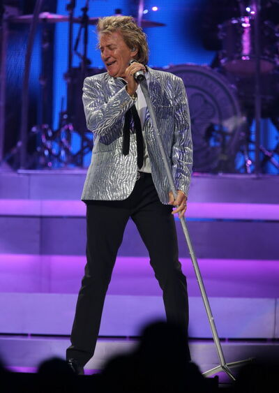 Rod Stewart rocks a silver blazer during his performance at MTS Centre Friday.