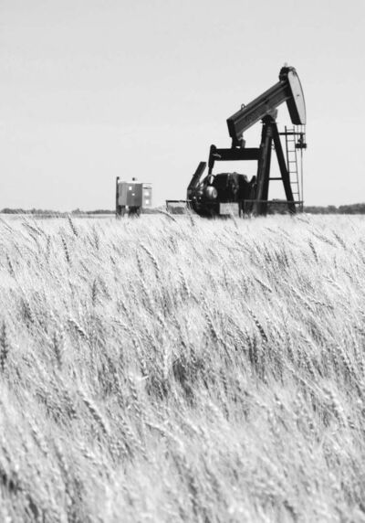 Bartley Kives / Winnipeg Free PressA pumpjack erected in a wheat field extracts oil from the North Virden scallion unit.