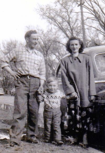 SUPPLIED</p><p>Walter Kisil as a young child with his dad, Walter, beside him and his mother Elisabeth who moved to Winnipeg from Austria in 1949 when Walter was two.</p>