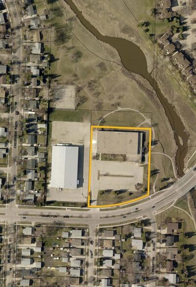 The land outlined in yellow will be sold for $1 to Manitoba Housing, which in turn will lease the property to the Bruce Oake Foundation for the establishment of the Bruce Oake Recovery Centre. (City of Winnipeg)</p>