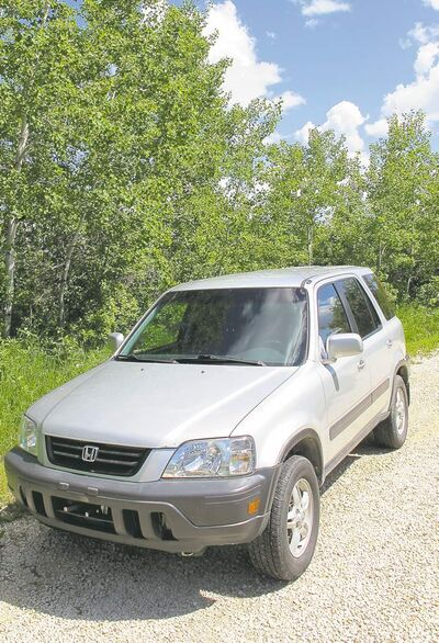 Willy recently purchased this 2000 Honda CR-V. Until recently, a decent compact sport utility vehicle has been hard to find in the used market. They have now been around long enough that prices have come down to earth.