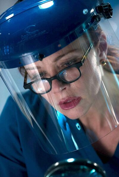 Lauren Holly as Dr. Betty Rogers.