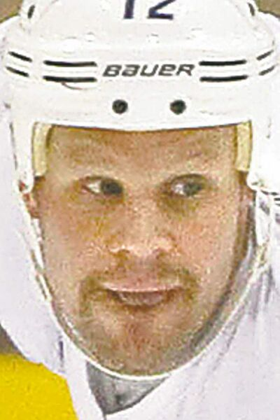 FULL CLOSE CUT CLOSECUT - Winnipeg Jets Centre Olli Jokinen at NHLPA practice at the MTS Iceplex as the lockout continues. Ed Tait story (WAYNE GLOWACKI/WINNIPEG FREE PRESS) Winnipeg Free Press  Nov. 16    2012