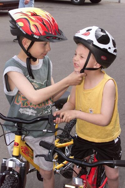 In the event of a crash, bicycle helmets can reduce the risk of death and serious injury by as much as 90 per cent, Healthy Living Minister Jim Rondeau said.